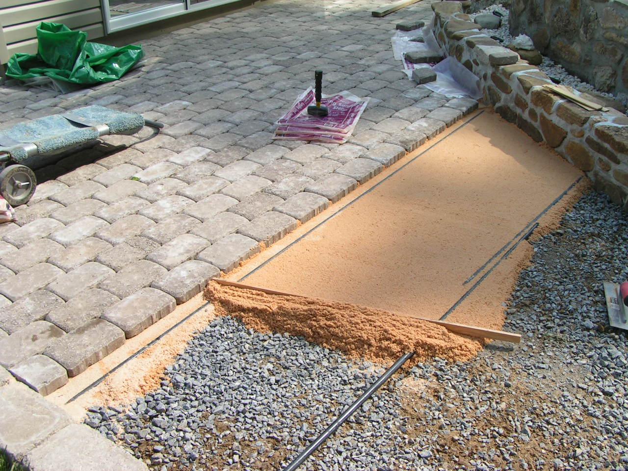Beton parke taşları: istifleme teknolojisi