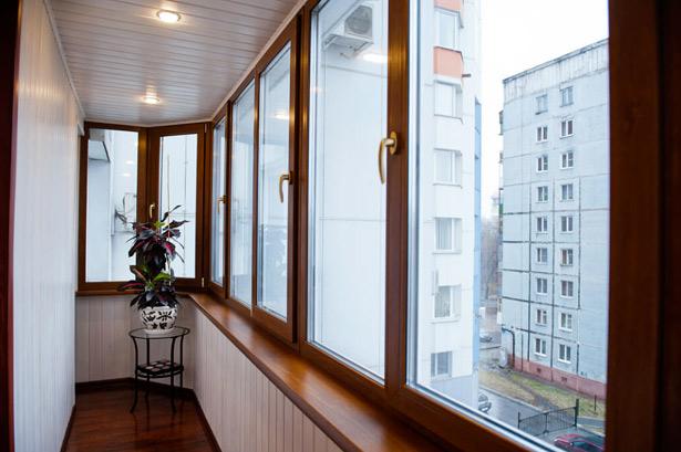 Balkon duvarı üzerindeki kurutucu: avantajları, tercihi ve uygulaması özellikleri