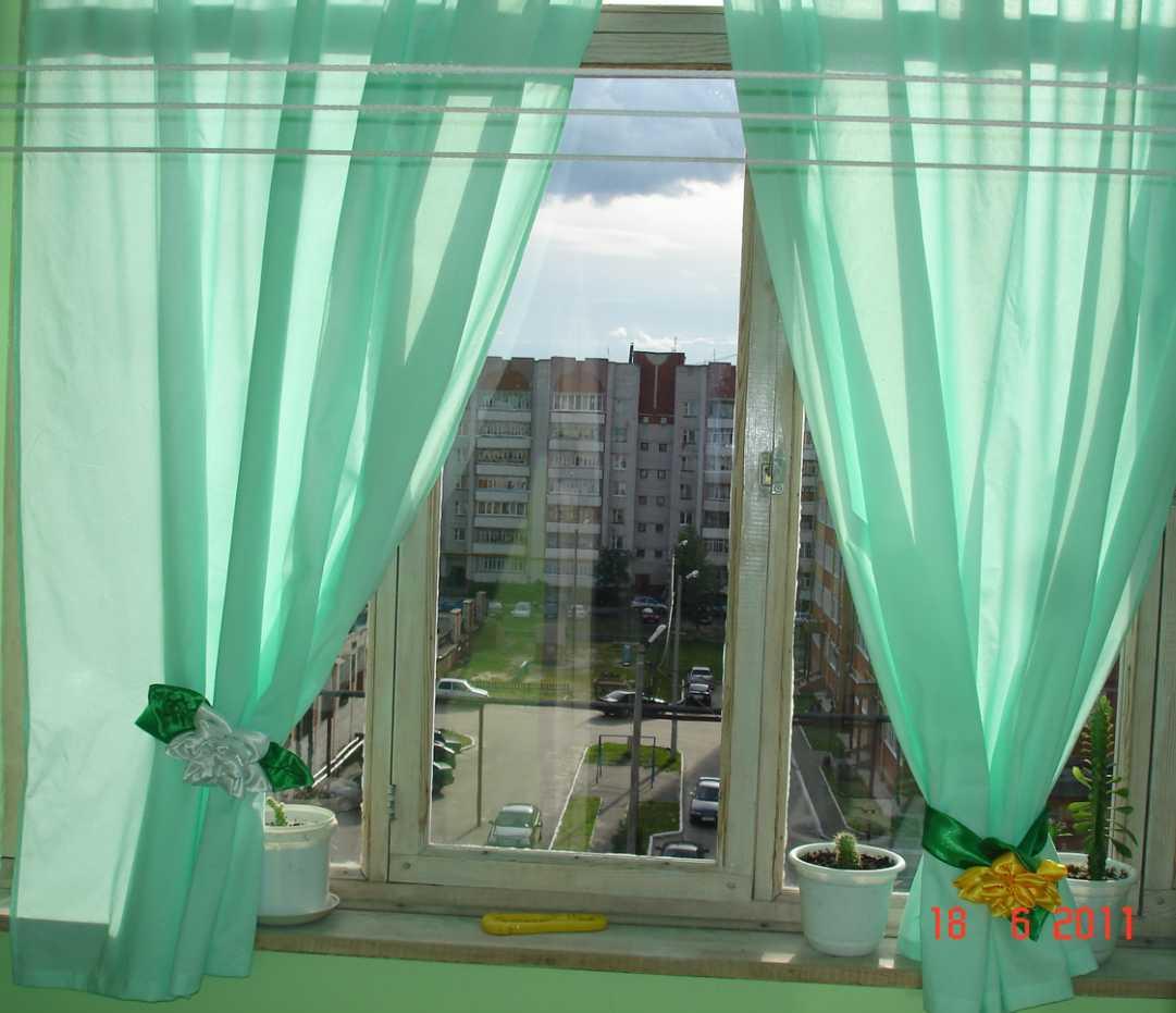 Как украсить балкон тюлью фото своими руками